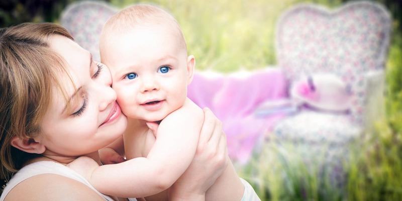 nazwisko dziecka urodzonego po rozwodzie, nazwisko dziecka po rozwodzie, czyje nazwisko nosi dziecko urodzone po rozwodzie